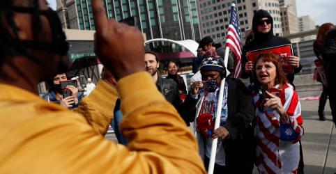 Placeholder - loading - Cidades dos EUA registram protestos de lados opostos enquanto prossegue apuração de votos