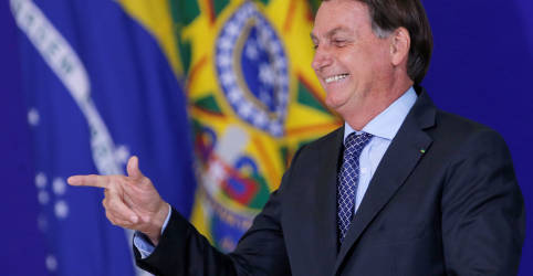 Placeholder - loading - Bolsonaro comemora suspensão de testes da CoronaVac pela Anvisa