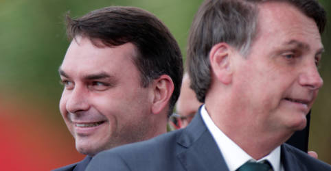 Placeholder - loading - Lewandowski encaminha à PGR notícia-crime sobre suposto envolvimento de Bolsonaro em defesa de Flávio