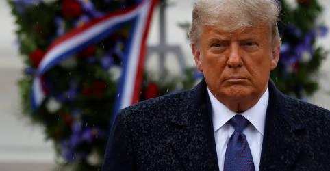 Placeholder - loading - Imagem da notícia Trump apoia permanência de líder republicana e cogita candidatura em 2024