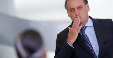 Placeholder - loading - Mesmo sem indícios de fraudes, Bolsonaro volta a questionar urnas eletrônicas