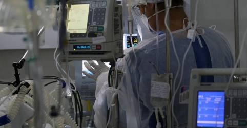 Placeholder - loading - Imagem da notícia Com transmissão novamente em alta, Brasil tem 35.294 novos casos de coronavírus