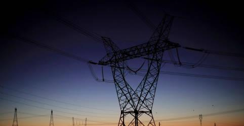 Placeholder - loading - Imagem da notícia Governo diz que Amapá retomou 80% da carga de energia após novo apagão