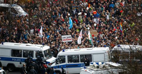 Placeholder - loading - Berlim tem protestos contra planos de Merkel para conter coronavírus