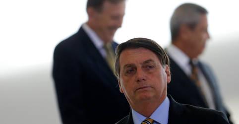 Placeholder - loading - Imagem da notícia Sem apresentar provas, Bolsonaro diz que foi 'roubado demais' na eleição de 2018