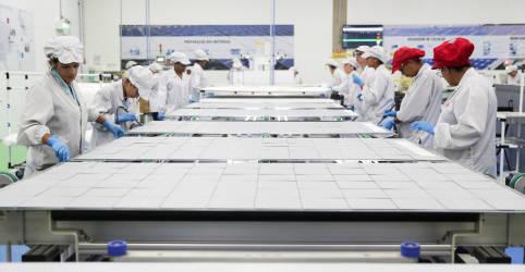 Placeholder - loading - Prévia da confiança da indústria indica salto a máxima em dez anos em novembro, diz FGV