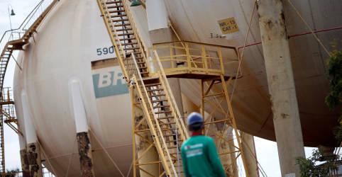 Placeholder - loading - Petrobras lança programa para apoiar fornecedores com potencial de R$3 bi ao mês