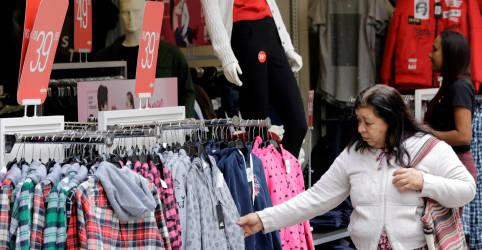 Placeholder - loading - Confiança do consumidor no Brasil cai pelo 2° mês consecutivo em novembro, diz FGV