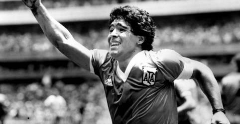 Placeholder - loading - Imagem da notícia Craque argentino Maradona morre após sofrer parada cardiaca