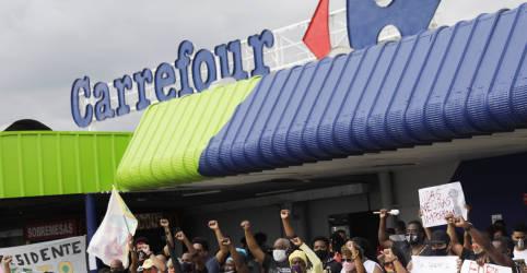 Placeholder - loading - Imagem da notícia Defensoria Pública gaúcha cobra indenização de R$200 mi do Carrefour por morte de João Alberto