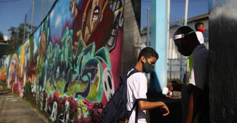 Placeholder - loading - Imagem da notícia Brasil tem 47.898 novos casos de Covid-19, maior contagem diária em 2 semanas
