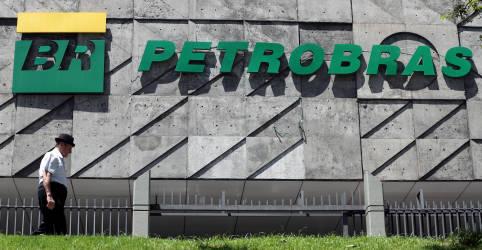 Placeholder - loading - Imagem da notícia Petrobras vê salto em vendas de petróleo no exterior em 2021/25 e queda no Brasil