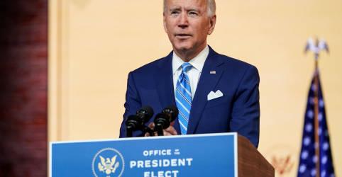 Placeholder - loading - Imagem da notícia Biden segue com transição; Trump admite que opções jurídicas estão diminuindo