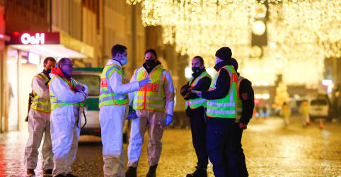 Placeholder - loading - Carro invade área de pedestres em cidade da Alemanha e mata 4, incluindo bebê