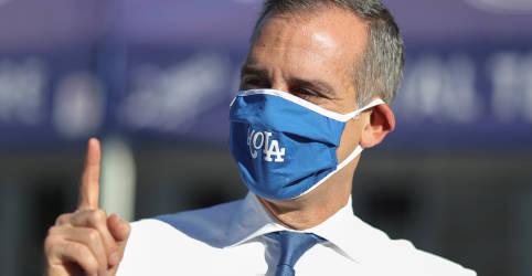 Placeholder - loading - Imagem da notícia Prefeito de Los Angeles ordena que moradores fiquem em casa para evitar 'situação temida'