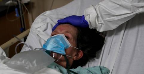 Placeholder - loading - Imagem da notícia Recorde de mortes de Covid nos EUA provoca pedidos de decretos de uso de máscaras e permanência em casa