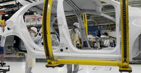 Placeholder - loading - Imagem da notícia Setor de veículos vê risco de produção por problemas em cadeias de suprimentos, diz Anfavea
