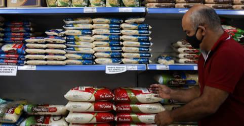 Placeholder - loading - Imagem da notícia Vendas no varejo do Brasil avançam 0,9% em outubro, diz IBGE