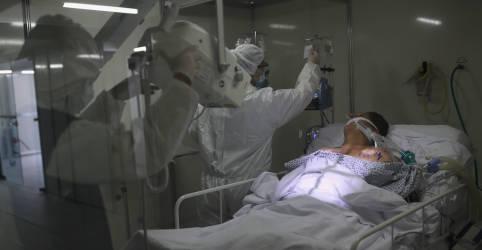 Placeholder - loading - Imagem da notícia Brasil registra 964 mortes por Covid-19, maior número em um único dia desde setembro