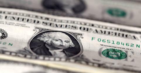 Placeholder - loading - Dólar oscila de olho em Brexit e estímulos nos EUA