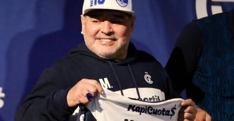 Placeholder - loading - Imagem da notícia Autópsia oficial conclui que Maradona não consumiu drogas ou álcool nos dias antes de morrer