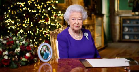 Placeholder - loading - Imagem da notícia Muitos querem apenas um abraço no Natal deste ano, diz rainha Elizabeth
