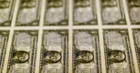 Placeholder - loading - Dólar engata 7° pregão de alta e supera R$4,45 em meio a temores sobre coronavírus