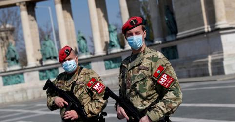 Placeholder - loading - Imagem da notícia Guerra global contra coronavírus desperta temores sobre erosão dos direitos civis