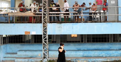 Placeholder - loading - Brasil tem 1.124 mortes por coronavírus e casos confirmados chegam a 20.727