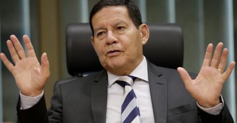 Placeholder - loading - Mourão diz que Mandetta 'cruzou linha da bola', mas defende permanência do ministro