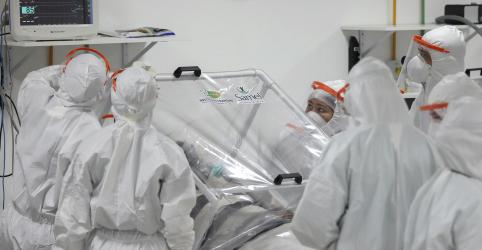 Placeholder - loading - Imagem da notícia Brasil tem recorde de 204 mortes por coronavírus e total vai a 1.532