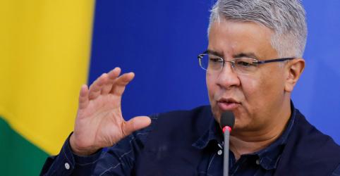 Placeholder - loading - Secretário do Ministério da Saúde responsável por combate ao coronavírus pede demissão