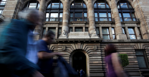 Placeholder - loading - BC do México apresenta estímulo de US$31 bi e corta taxa de juros