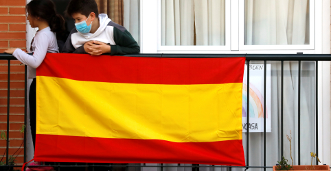 Placeholder - loading - Imagem da notícia Número de mortos por coronavírus na Espanha sobe para 22.157
