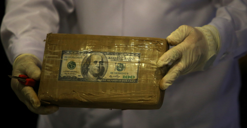 ESPECIAL-De produtores peruanos a vendedores em Paris, coronavírus vira comércio de drogas de cabeça para baixo