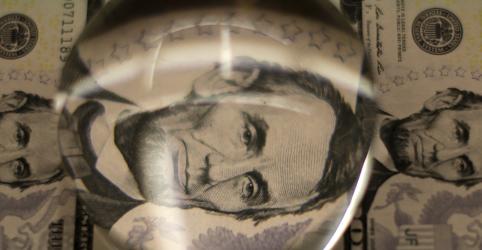 Placeholder - loading - Dólar renova recordes acima de R$5,59 com tensões políticas domésticas; BC intervém nos mercados