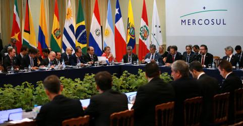Placeholder - loading - Imagem da notícia Argentina anuncia que deixará futuras negociações comerciais do Mercosul