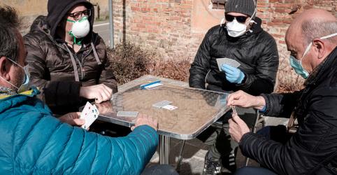 Placeholder - loading - Imagem da notícia Itália supera 200 mil casos de coronavírus e número diário de mortes tem alta