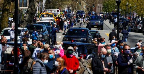 Novas hospitalizações por Covid-19 em NY atingem menor taxa em mais de 1 mês, diz governador