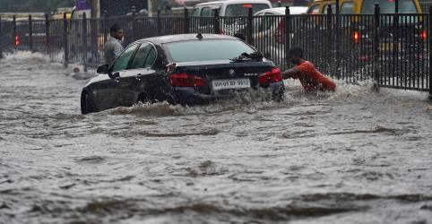 Placeholder - loading - Inundações devastam leste da Índia enquanto infecções por coronavírus crescem