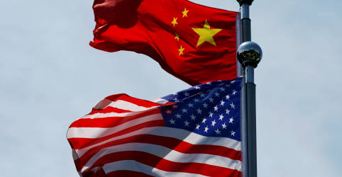 Placeholder - loading - Imagem da notícia China diz que resposta dos EUA à lei de segurança de Hong Kong é 'lógica de gângster'