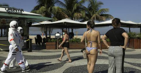 Placeholder - loading - Imagem da notícia Nova fase reabre pontos turísticos do Rio e esportes na areia da praia a partir de sexta-feira