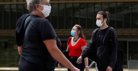 Placeholder - loading - Imagem da notícia De volta às compras, franceses se dizem conformados com uso de máscaras