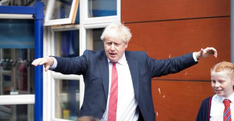 Placeholder - loading - Imagem da notícia Johnson diz que Reino Unido será duro com a China em reação à lei de segurança de Hong Kong
