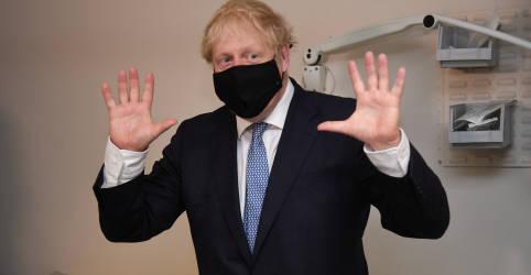Placeholder - loading - Imagem da notícia Premiê britânico diz que país terá 'se livrado do coronavírus' até meados de 2021