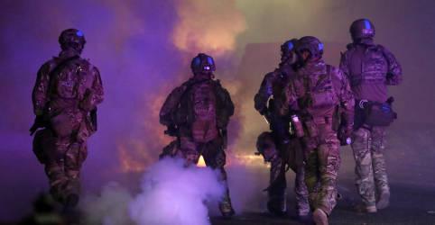 Placeholder - loading - Imagem da notícia Governo Trump amplia envio de tropas federais para cidades dos EUA