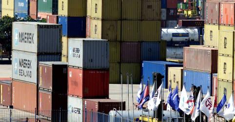 Placeholder - loading - Imagem da notícia Importações despencam e país tem superávit comercial recorde em julho, de US$8,1 bi
