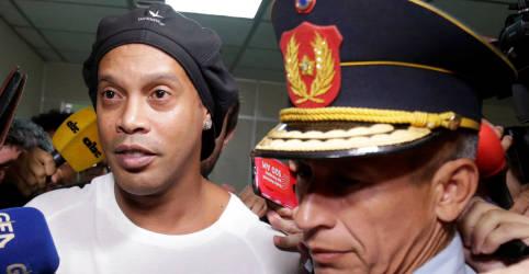Placeholder - loading - Imagem da notícia Ronaldinho está perto de conseguir liberdade no Paraguai