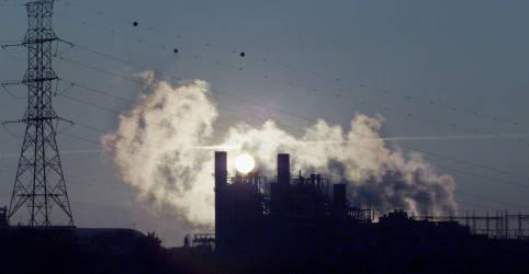 Placeholder - loading - Imagem da notícia Chinesa Spic terá fatia em térmicas no Açu em parceria com Prumo, BP e Siemens