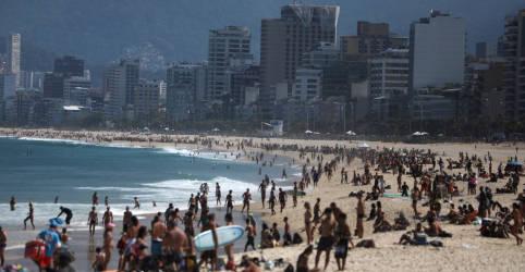 Placeholder - loading - Praias do Rio podem ter demarcação na areia e reserva por app para evitar aglomeração